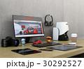 机にあるモニター、3Dスキャナー、板タブ、スマホと一眼レフ。プロダクトデザイナーのワークスペース。 30292527