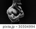ボディービルダー アスリート 筋肉の写真 30304994