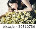 人物 女性 花の写真 30310730