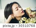 花ある暮らし 女性ポートレート 30310768