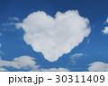 ハートの雲と青空 30311409