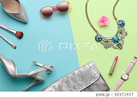 Fashion design woman accessories set minimal art for Fashion designer craft sets