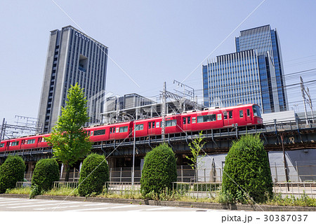 名古屋都市風景 名駅通り ささしまライブ24東交差点付近 グローバルゲートと愛知大学と名鉄電車 30387037