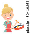 主婦 料理 目玉焼きのイラスト 30419863