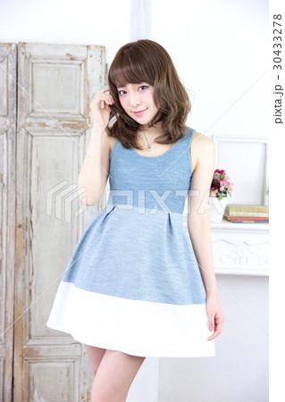 若い女性 ファッション ポートレート 30433278