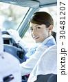タクシー 女性ドライバー 笑顔 ポートレート 30481207