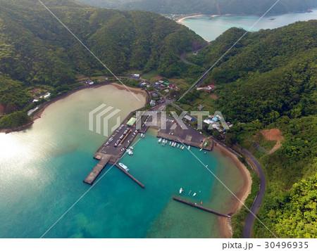 空撮の加計呂麻島 生間港 30496935