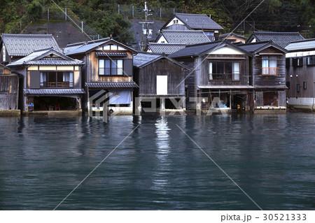 12月 伊根舟屋-漁村の伝統的家並み- 30521333