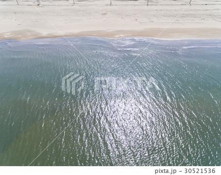海と砂浜(空撮) 30521536