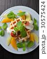 ベルギーワッフルのフルーツ添え 30575424