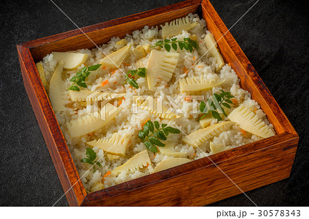 お弁当 Lunch box of a bamboo shoot and rice ball 30578343
