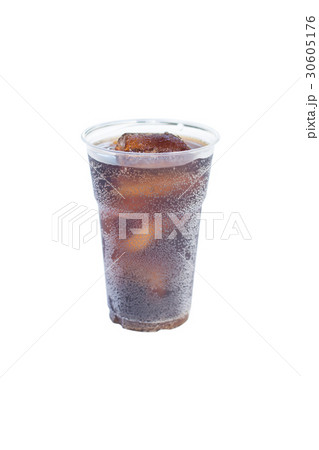 cola drink in plastic glass with ice isolatedの写真素材 [30605176] - PIXTA