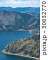 新緑のころの億琵琶湖湖岸線を賤ケ岳から俯瞰する 30632770