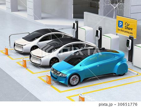 カーシェア専用駐車場に駐車している無人運転電気自動車。カーシェアリングのコンセプト 30651776