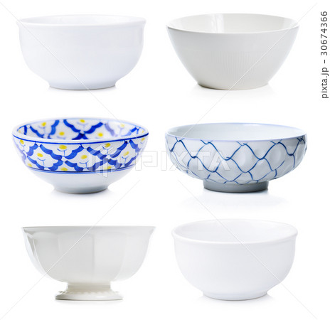 Empty ceramic bowl isolated on white background.の写真素材 [30674366] - PIXTA