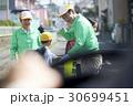 シニアボランティア 通学路での安全補助 30699451