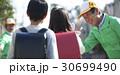 シニアボランティア 通学路での安全補助 30699490