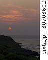 夕刻の辺戸岬 30703602