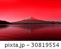 赤く染まる富士山 30819554