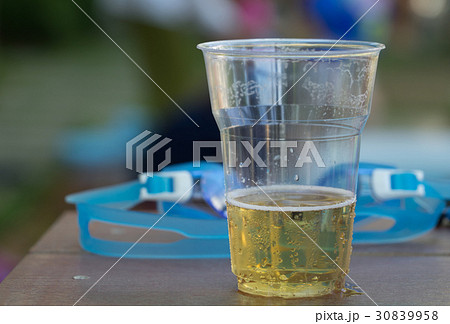 beer glass swimming gear alcohol lifestyle relaxの写真素材 [30839958] - PIXTA