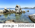 葉山 森戸海岸 綺麗な海 岩場 30934058
