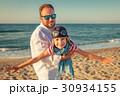 ファミリー 家族 ビーチの写真 30934155