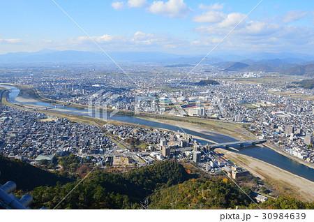 金華山から眺めた長良川(岐阜県岐阜市) 30984639