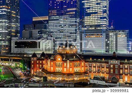 【東京都】夜の都市風景 30999981