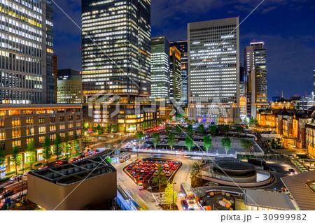 【東京都】夜の都市風景 30999982