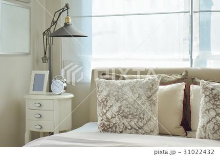 luxury bedroom with lamp and alarm clockの写真素材 [31022432] - PIXTA