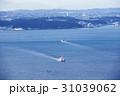 東京湾フェリーのすれ違いと久里浜の街並み 31039062