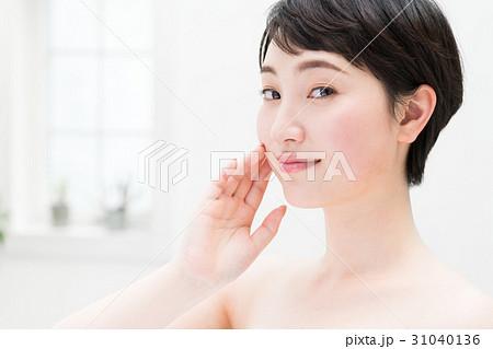 若い女性   31040136