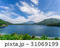 本栖湖と富士山 31069199