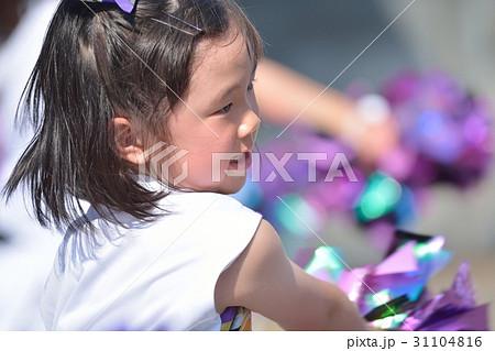 チアダンスを踊る女の子 31104816