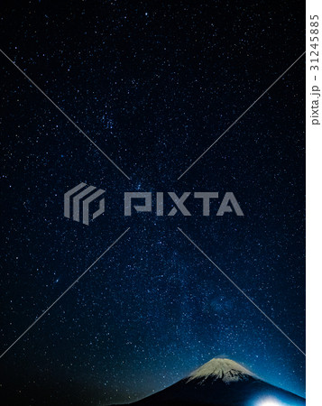 十里木展望台からの富士山と星空2 31245885