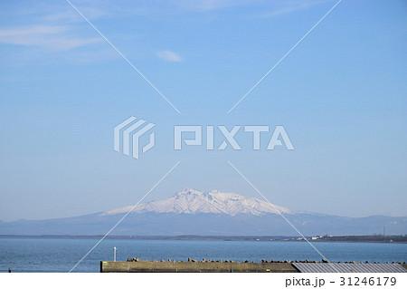 オホーツク海と羅臼岳 31246179