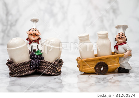 Collection of Statuettes of Cooks with Shakersの写真素材 [31260574] - PIXTA