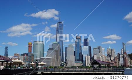 ニュージャージーから見たワールド・トレード・センターとマンハッタン 31270772