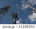 送電鉄塔と電柱 31288301