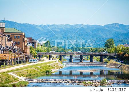 初夏の鴨川風景 31324537