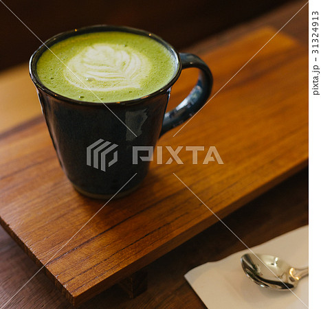 hot matcha green tea latte 31324913