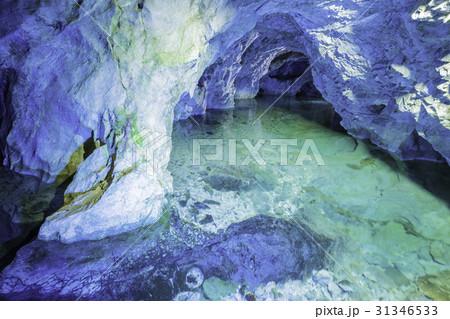 稲積水中鍾乳洞 31346533