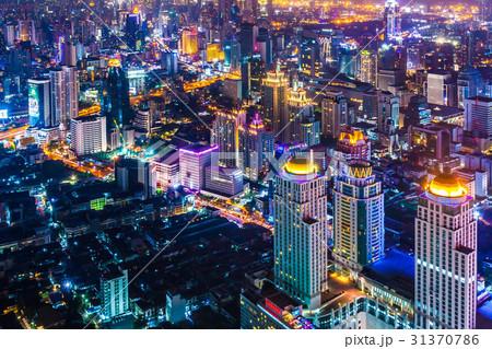 タイの首都バンコクのビル群の夜景 31370786