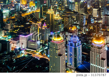 タイの首都バンコクのビル群の夜景 31370787