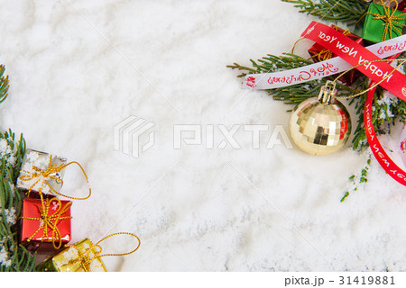 Christmas background with red baubleの写真素材 [31419881] - PIXTA