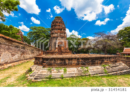 Ruins of temples in Ayutthaya period 31454181