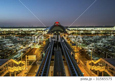夜景 仁川国際空港 インチョン国際空港 31565575