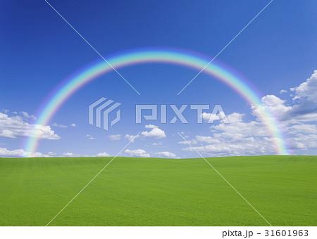 丘と雲と虹 31601963