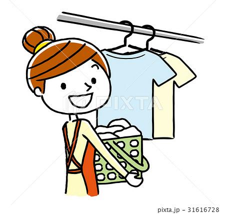 洗濯を干す女性 31616728