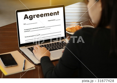 employment application agreement form employmenの写真素材 31677428